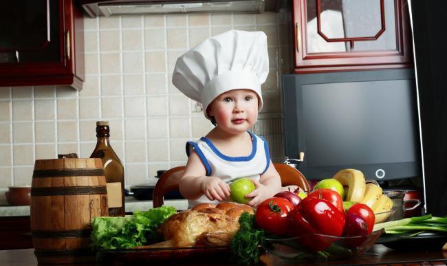Combattere l'obesità dei bambini a casa
