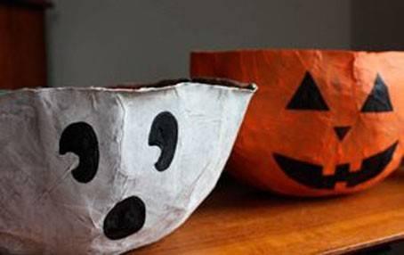 Decorazioni per halloween con la cartapesta da fare con i for Decorazioni halloween finestra