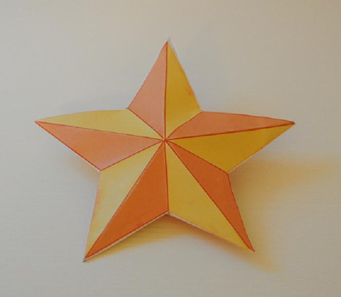 Stella Di Natale Tridimensionale.Come Decorare Stella Di Natale Mamme Magazine