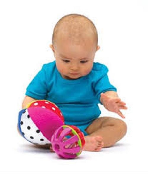 Come stimolare curiosità giochi nascondino bambino 6 mesi | Mamme