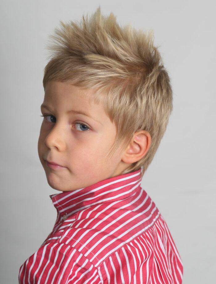 Tagli capelli corti bambini maschi estate - Mamme Magazine