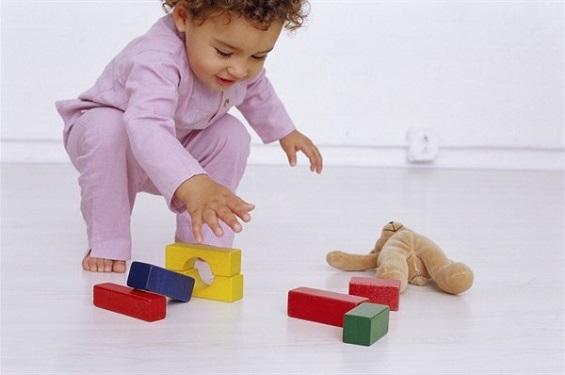 Giochi educativi per bambini di 2 anni da fare in casa for Giochi per bambini di 2 anni