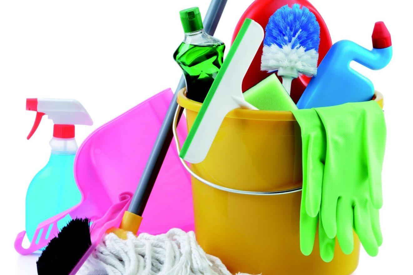 Come organizzare le pulizie di casa mamme magazine - Come pulire casa ...