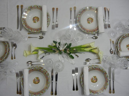 Come apparecchiare la tavola per festa cresima - Numeri per tavoli fai da te ...