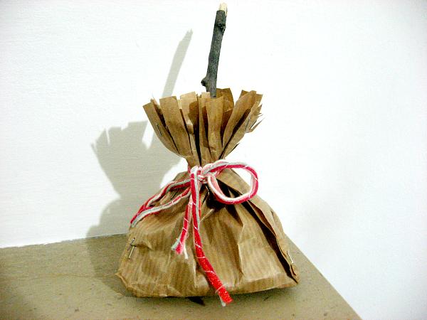 Scopa_Befana_DIY_Portacaramelle_by_Desi