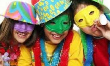 Come organizzare festa di Carnevale teenager in casa