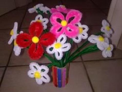 creare fiori finti con ciniglia