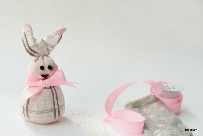 Come Fare Un Coniglietto Di Pasqua Con Calza Di Riciclo Mamme Magazine
