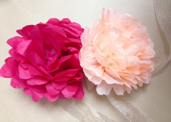 realizzare fiori di carta crespa