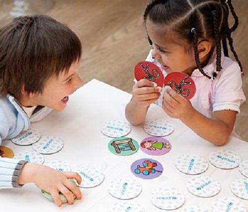 Come fare giocare i bambini a memory mamme magazine for Memory da stampare per bambini