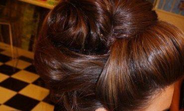 Prima comunione: idee per capelli raccolti