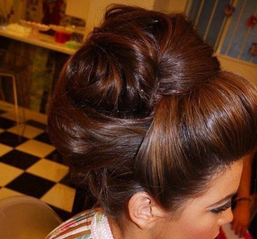 Prima comunione  idee per capelli raccolti dec9617c8e0f