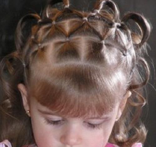 Idee raccolti capelli corti prima comunione bambine