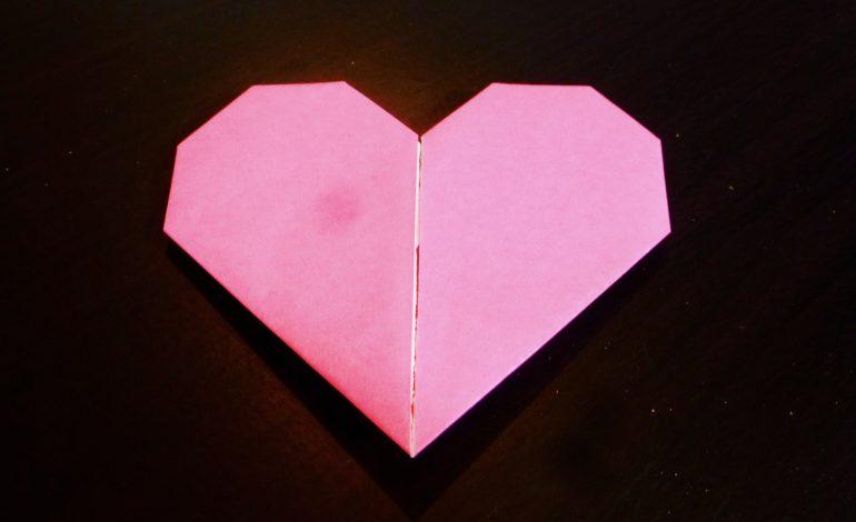 Istruzioni per origami semplici a forma di cuore