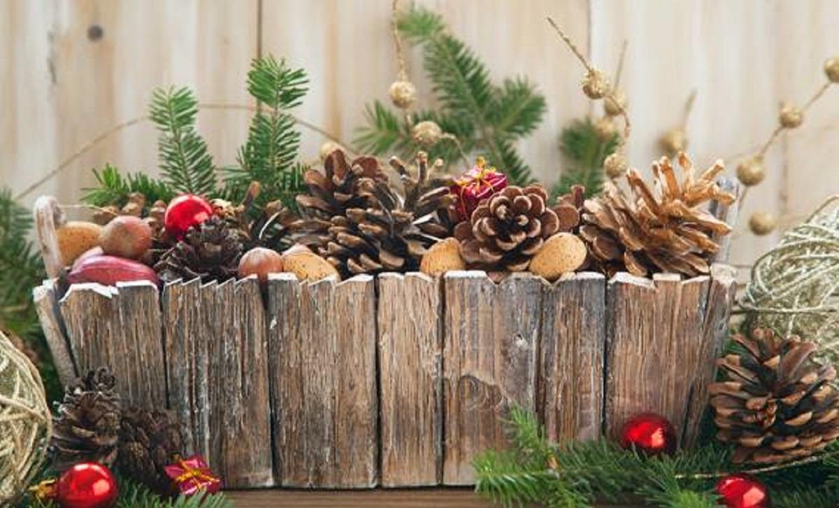 Lavoretti In Legno Per Natale lavoretti di natale con pigne per bambini: i più belli
