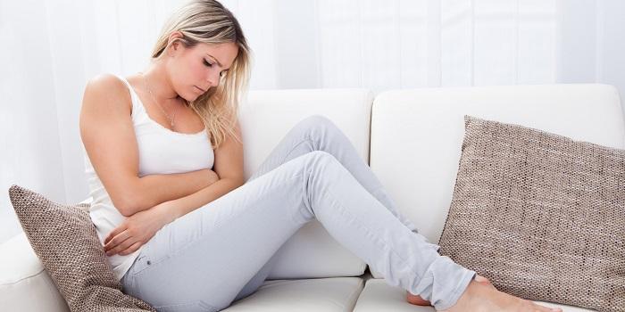 spotting perchè compaiono le macchie marroni durante o dopo il ciclo mestruale