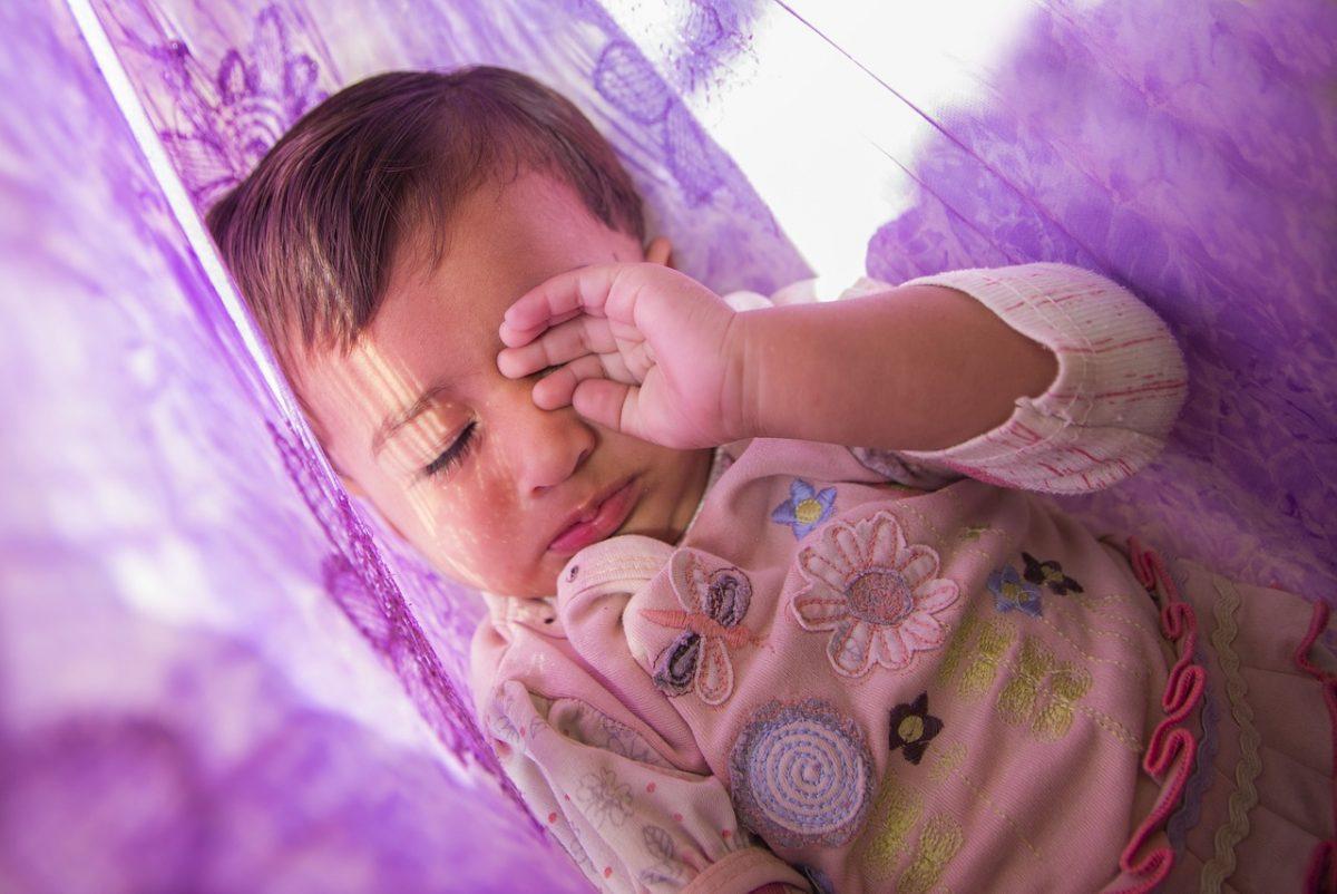 sognare bambina con i pidocchi